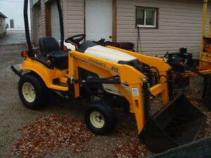 2004 CUB CADET COMPACT TRACTOR 4X4 with LOADER
