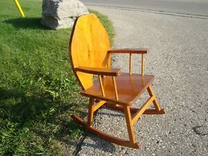 Custom Made Child or Doll Solid Wood Rocking Chair - Great Shape Kitchener / Waterloo Kitchener Area image 4