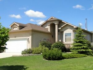 Gorgeous 3 Bedroom House - Norcross Crescent for July 1