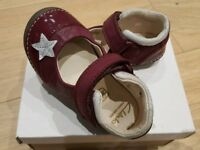 CLARKS baby shoes NEW CONDITION