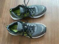 Boys trainer shoes size 8 EXCELLENT CONDITION