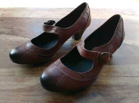 Brand new M&S real leather shoes - size 3.5 EUR 36