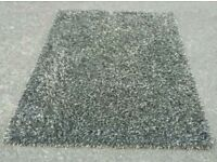 Slumbrr shaggy rug in good condition 120cm x 170cm can deliver or post!