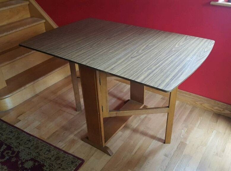 Gate leg table with folding sides suit kitchen / dining room Christmas spare