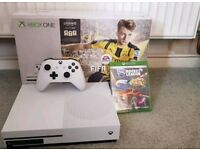 Xbox One S 1TB, 12 Games and One Controller