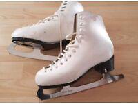 ladies/girls white figure ice skates figure skates size 4