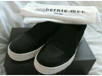 Flats by bernie mev size 5
