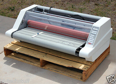 Gbc Heatseal Ultima 65 27 Roll Laminator Laminating Machine 1711501 Working