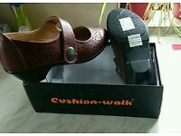 Cushion Walk size 8EEE Fit