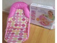 New * baby bath seat *
