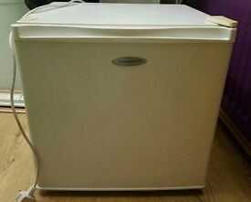 Frigidaire counter top freezer good condition