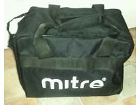 Mitre Sports Bottles X8 With Carry Bag (New)