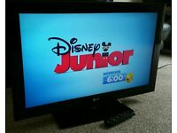 """LG 42"""" LCD 1080p Full HD TV. Built in Freeview Excellent Condition Fully Working with Remote"""