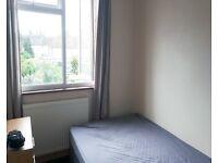 Top floor room to rent £450 inc of all bills in Palmers Green area