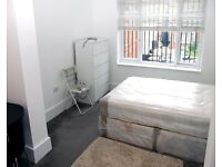 Very large ensuite room to rent £800 pcm Inc of all bills in Palmers Green Area