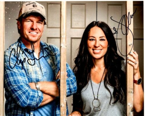 CHIP and JOANNA GAINES signed autographed FIXER UPPER 8x10 photo