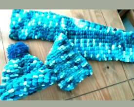 Ocean colours hat and scarf set