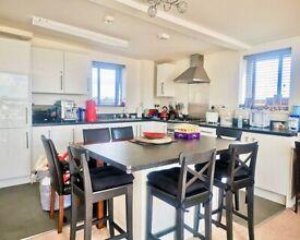 Luxury 2 bedroom flat to rent in Wood Green area £1650 pcm plus bills