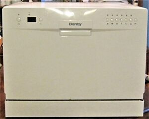 DANBY COUNTERTOP DISHWASHER FOR KITCHEN OR BAR