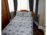 Fully furnished double bedroom to rent for £500 pcm inc of all bills in Palmers Green area