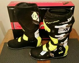 New Forma Motocross boots uk 11 or 12 never used kxf crf yz ktm