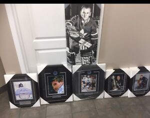 Lots of signed sports memorabilia see photos