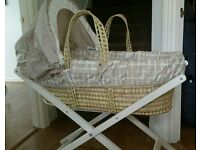 Mamas and Papas Zam Bee Zee Moses Basket