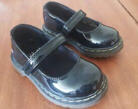 Girls Toddler Size 5 Dr MARTENS AirWair Black Patent TULLY MARY JANE SHOES