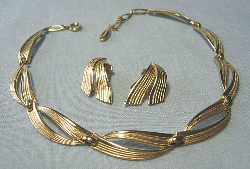 Gold Plate GROSSE Necklace & Earrings GERMANY