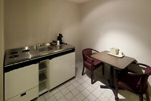Hotel with Heated Indoor Pool & fitness room, from $650 London Ontario image 4