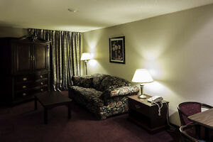 Hotel with Heated Indoor Pool & fitness room, from $650 London Ontario image 3