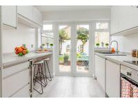 Bishops Waltham - Stunning two bedroom Cottage for sale - Fully Refurbished