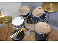 Drum set full size with solar cymbals