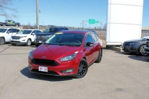 2016 Ford Focus SELEATHER!! ROOF!! VERY LOW KMS!!! FUEL SIPPER!!