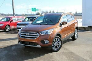 2017 Ford Escape Titanium4WD/PANORAMIC ROOF/NAVIGATION/ 2.0L/ 10