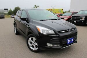 2014 Ford Escape SE  A MUST SEE LOW KMS, 4WD, 4DR, SE !!!!