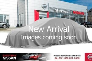 2011 Nissan JUKE SL awd, leather and navigation, accident free!