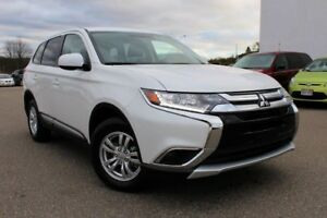 2018 Mitsubishi Outlander ES/4WD/ 2.4L ENGINE/ HEATED FRT SEATS/
