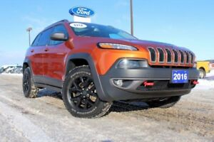 2016 Jeep Cherokee TrailhawkULTRA COOOOL COLOR AND WICKED LOOKIN
