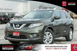 2014  Rogue FWD 4dr SV. Spring rogue clearout sale, make an offe