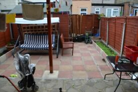 MASSIVE 3 BEDROOM HOUSE IN THE HEART OF EAST LONDON CANNING TOWN>>> ONLY £380pw