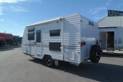2012 EVERNEW E900 $32,990 SEMI OFF-ROAD SHOWER/TOILET Barragup Murray Area Preview
