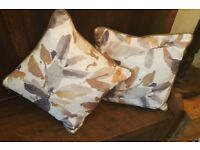 "Luxury High quality Large Cushion. Country design. Feather inner. 20"" 50cm"