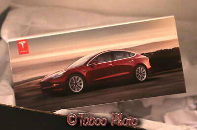 Tesla Model 3 - Die Cast Model Red 1:43 Scale Car (Tesla Exclusive) Brand New