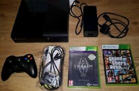 @LOOK@ Mint Boxed Xbox 360 4gb Black Console, x1 Controller plus x2 games