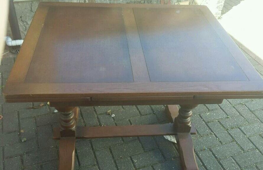 Very nice vintage extending dinìng table