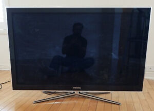 SAMSUNG 46 INCH 3D SMART TV.....EXCELLENT CONDITION LIKE NEW