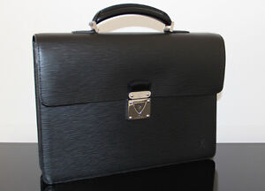lightly Used Men's Louis Vuitton Robusto Leather Briefcase