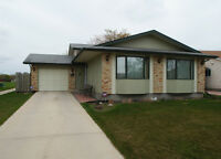OPEN HOUSE SUNDAY MAY 31, CLEAN HOME IN THE MAPLES!!!