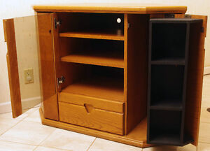 Oak stereo tv stand with storage, can be used in a corner